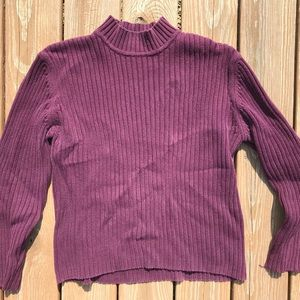 Sweaters - chunky and ribbed burgundy / maroon turtleneck